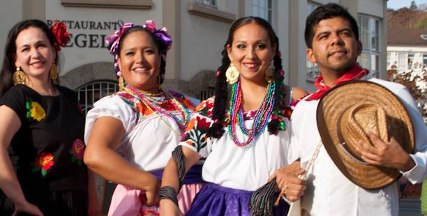 Adelitas Tapatías und Charros